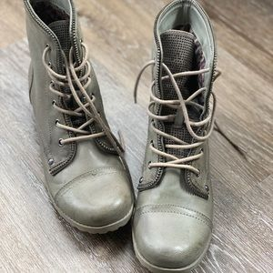 G by Guess combat boots size 9.5